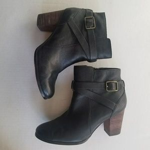 Cole Haan Black Leather Ankle Boots Size 7